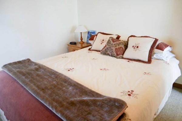 The Kereru Room At River Garden Retreat